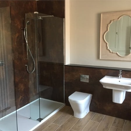 Deluxe High Quality Walk in Shower Installers in Tamworth, Coventry, Numeaton, Lichfield, Sutton Coldfield, Solihull and Derby