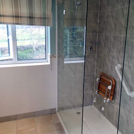 Walk in Shower Installers in Tamworth and The Midlands