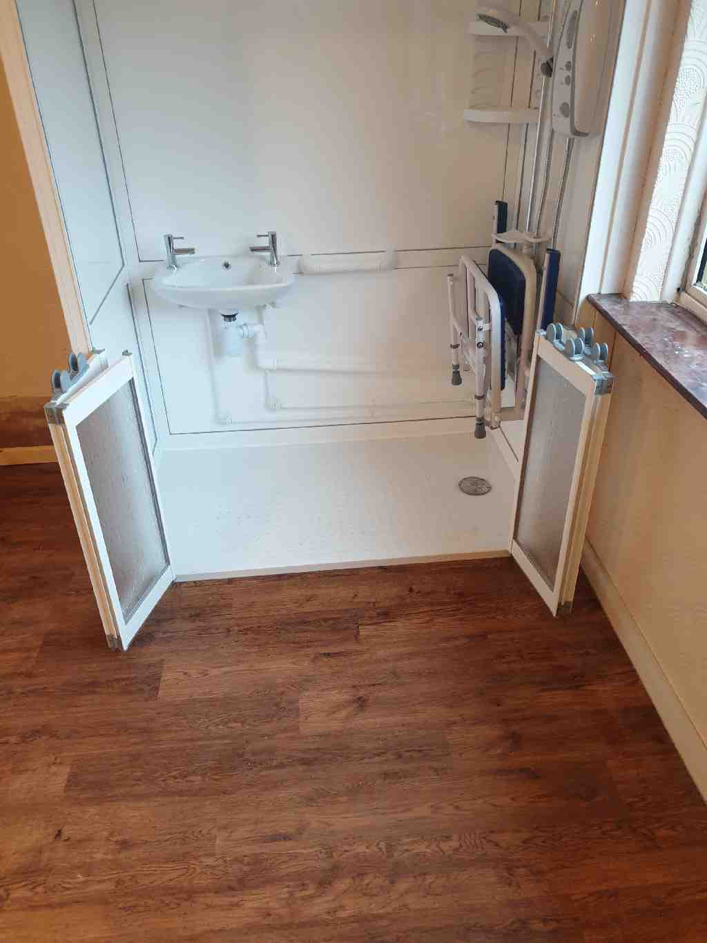 Gallery Standalone shower enclosures cubicles cabins 04