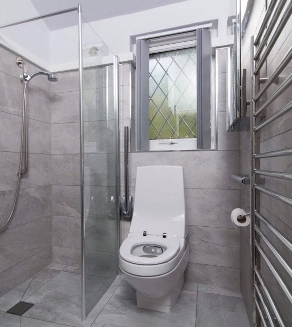 Luxury Wet Rooms Installed in The Midlands by BML Wet Room Installers in Tamworth - Example of a wet room we installed with electric shower, walk in shower and low level toilet
